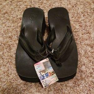 NWT Women's Reef Wedge Black Sandals Size: 10
